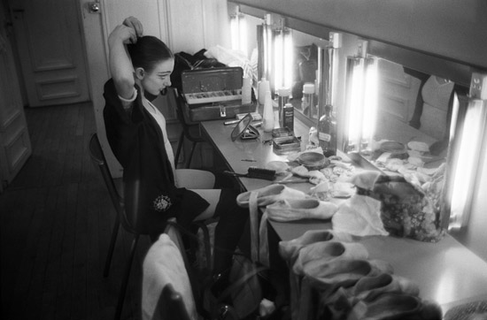 Katherine MacKenzy backstage – Copyright Geoff Howard