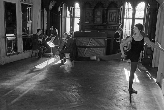 Rehearsal at North House, the company studio – Copyright Geoff Howard