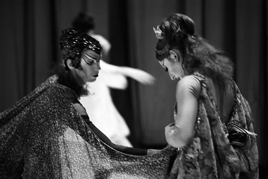Backstage with Giillian Winn & Christina Gallea in costume for 'A Midsummer Night's Dream' – Copyright Geoff Howard